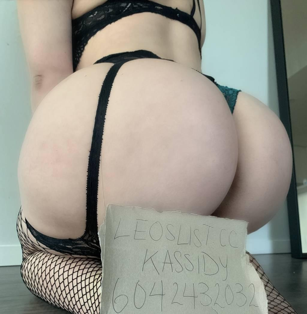 young small waist big booty student 100 %OUTCALLS