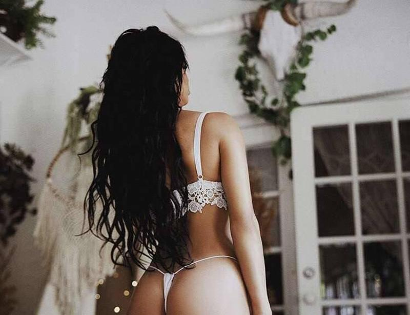 Sweet, charming & sensual party friendly outcall only